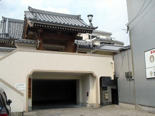 明性寺 玄関